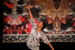 Rug, 2015 300 cm x 500 cm C-print on textil: Monika Grabuschnigg | Performer: Ixchel Mendoza Hernandez | Photo: Diethild Meier